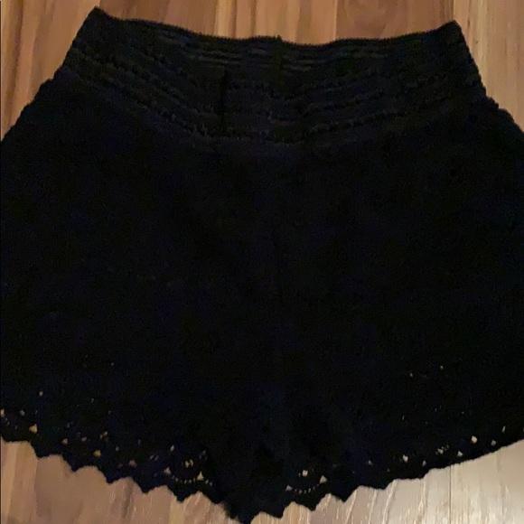 Rewind Pants - Super cute & comfy black lace shorts size L